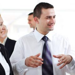 Kỹ năng lắng nghe trong giao tiếp kinh doanh