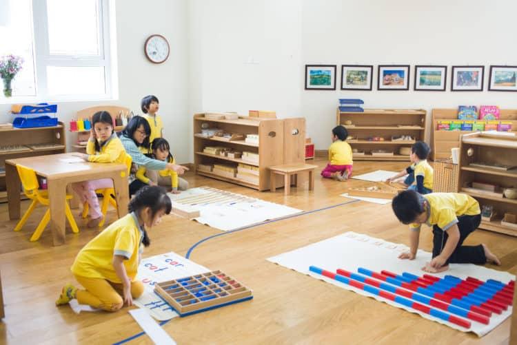 ưu điểm của montessori cải thiện năng khiếu của trẻ