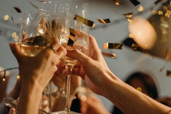 Giáng Sinh, năm mới không thể không có Champagne